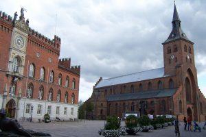 Odense_Rathaus_und_Dom